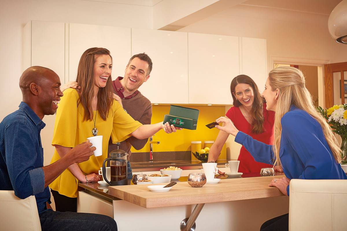Nestle ad featuring friends round a kitchen table