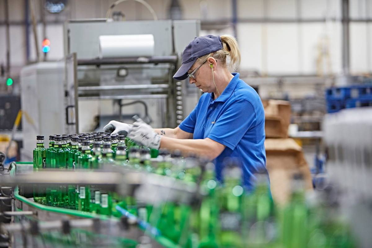 Green glass bottle production line